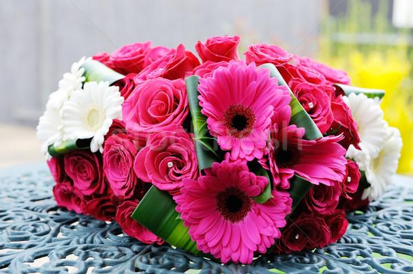 Bruid bloemen rode rozen Rood huwelijk Stockfoto © KMWPhotography