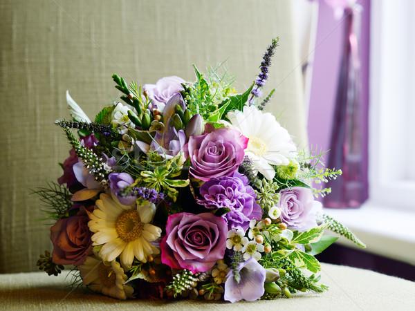 Menyasszonyok virágcsokor lila fehér virágok esküvő nap Stock fotó © KMWPhotography