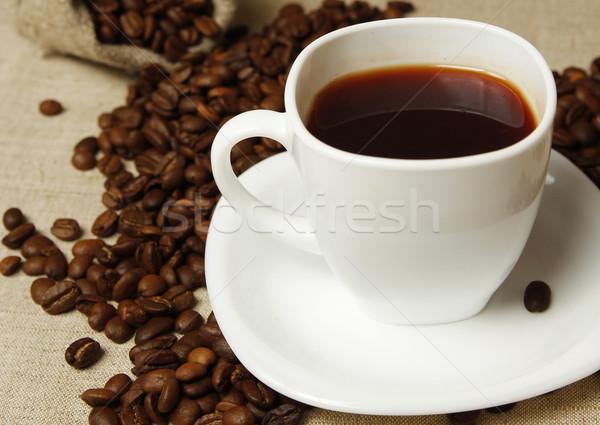 コーヒーマグ コーヒー豆 コーヒー 煙 デスク 黒 ストックフォト © koca777