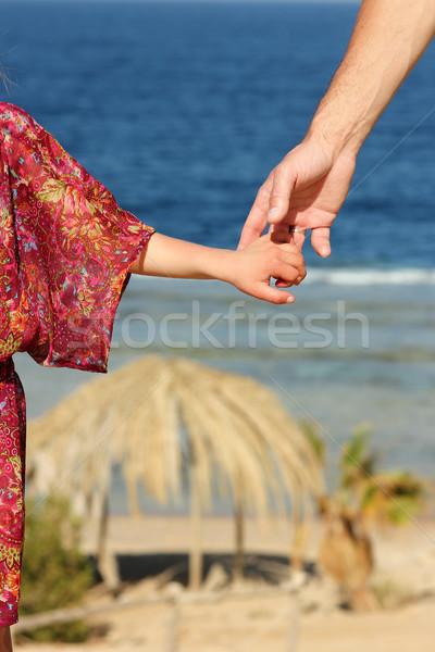 Parent main mer plage fond été Photo stock © koca777