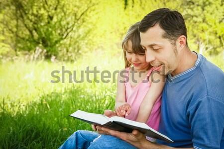 Genç baba küçük kız İncil çocuklar Stok fotoğraf © koca777