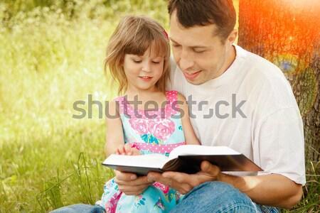 Jovem pai pequeno filha bíblia crianças Foto stock © koca777