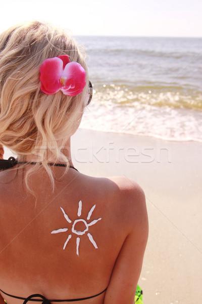Güneş krem kadın geri plaj kadın Stok fotoğraf © koca777