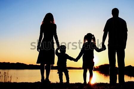 Silhouette glückliche Familie Kinder Familie glücklich Natur Stock foto © koca777