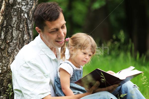 отец дочь Библии детей трава книгах Сток-фото © koca777