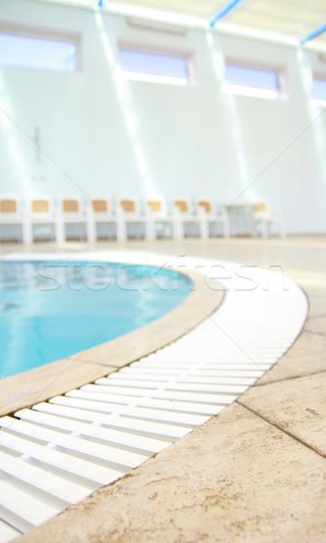 Une belle bleu eau piscine santé Photo stock © koca777