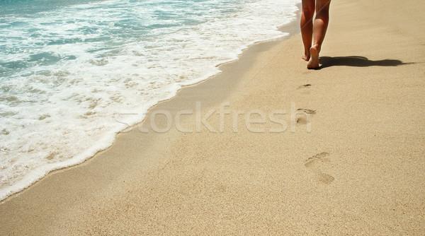 Urme nisip plajă apă soare vară Imagine de stoc © koca777