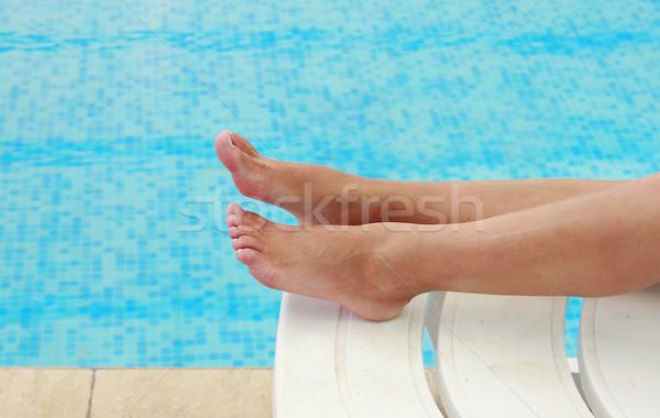 Femenino piernas agua piscina hombre moda Foto stock © koca777
