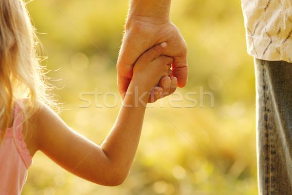 Ebeveyn el küçük çocuk aile güvenlik Stok fotoğraf © koca777