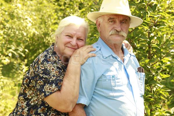 Starszych para miłości odkryty kobiet szczęśliwy Zdjęcia stock © koca777