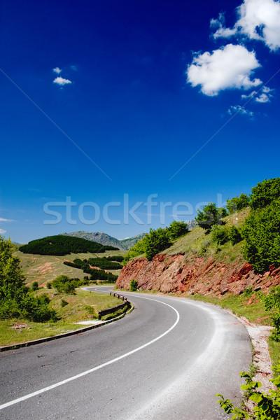 Yol doğa sokak seyahat dağlar çayır Stok fotoğraf © kokimk