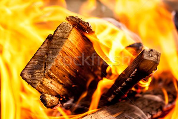 Quente madeira fogo luz noite vermelho Foto stock © kokimk