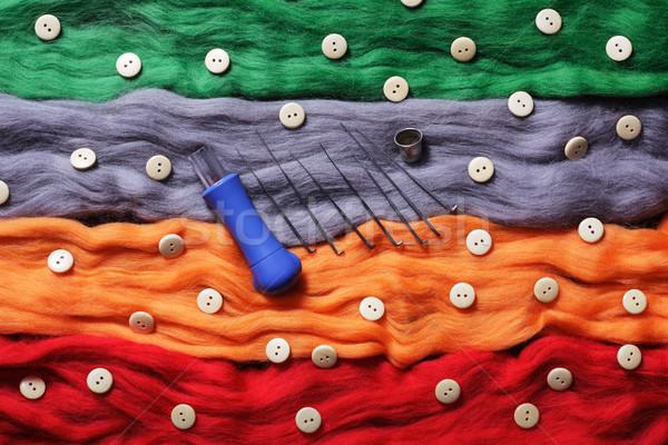 Veelkleurig wol naalden tools handgemaakt speelgoed Stockfoto © koldunov