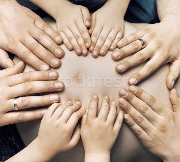 Famiglia amato baby donna mani Coppia Foto d'archivio © konradbak