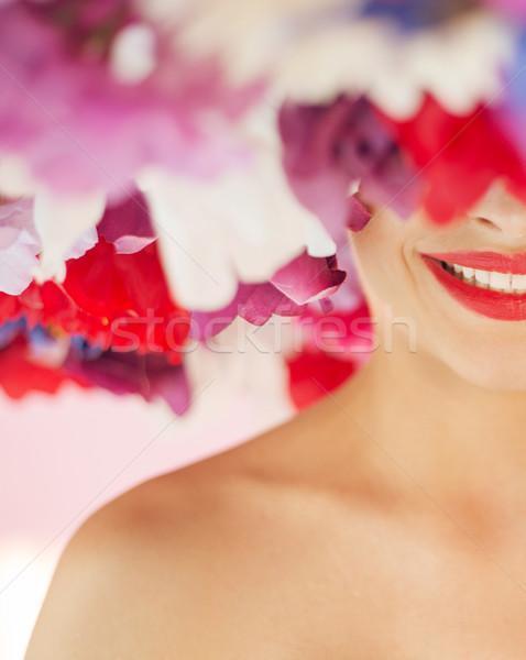 Portré csinos visel óriás gyönyörű virág Stock fotó © konradbak