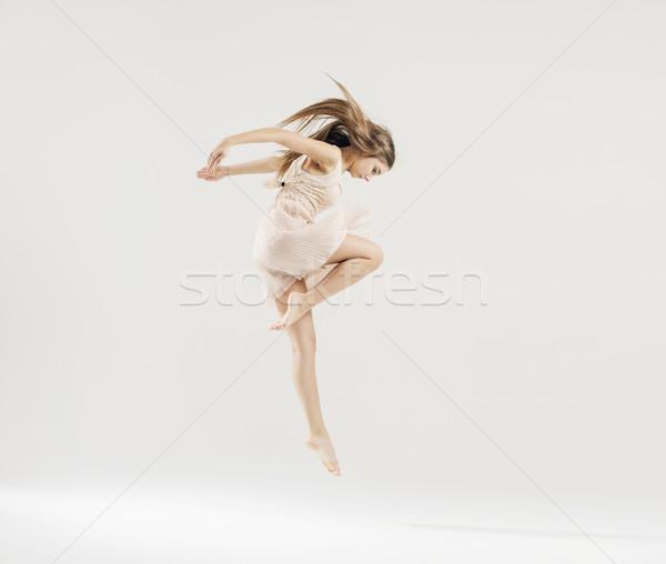 Kunst dans balletdanser jonge vrouw meisje Stockfoto © konradbak