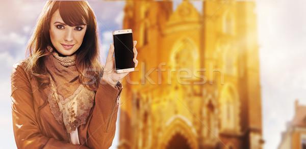 Ritratto pretty woman smartphone bella signora Foto d'archivio © konradbak