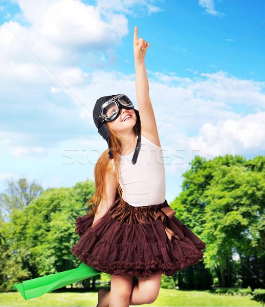 Adorável jovem piloto pequeno família menina Foto stock © konradbak