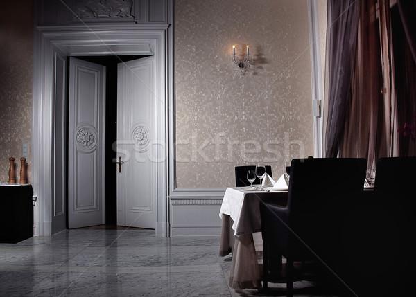 Klassiek witte interieur Open deur ontwerp home Stockfoto © konradbak