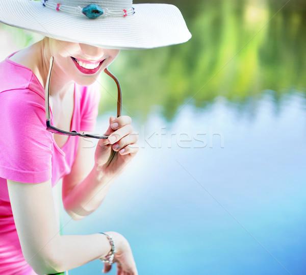 Portret dame parel glimlach fabelachtig strand Stockfoto © konradbak