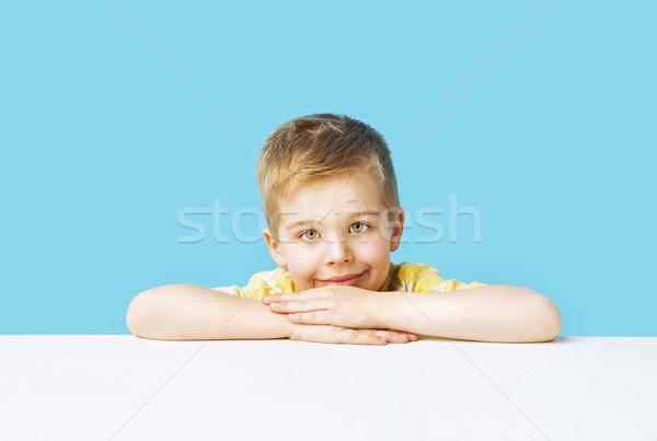 Portret cute jongen grote ogen glimlach Stockfoto © konradbak