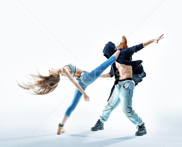 Iki dansçılar performans genç Stok fotoğraf © konradbak