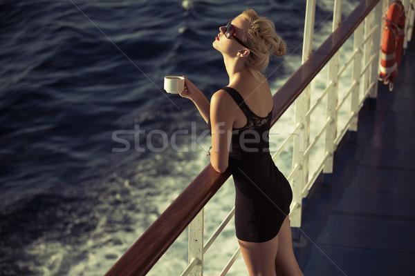 прелестный Кубок кофе блондинка девушки Сток-фото © konradbak