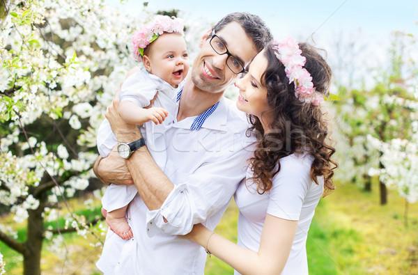 Büszke szülők ölel baba kicsi nő Stock fotó © konradbak