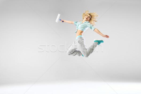 Zdjęcia stock: Kobieta · skoki · biały · dziewczyna · lasu