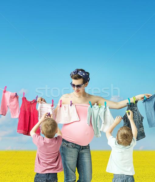 Сток-фото: мамы · прачечной · Cute · матери · беременна · зеленый