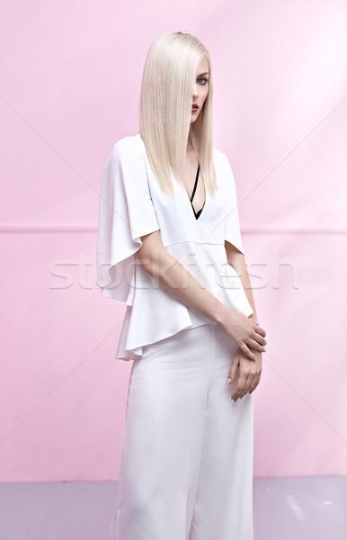 Zmysłowy młodych pani piękna długo prosto Zdjęcia stock © konradbak