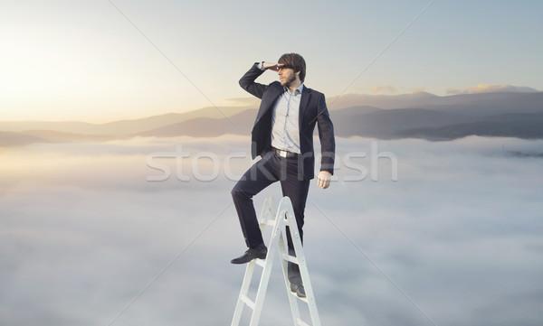 Ambitieus zakenman naar target doel glimlach Stockfoto © konradbak