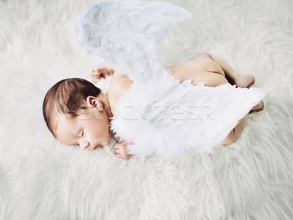 Cute mały anioł drzemka krótki dziewczyna Zdjęcia stock © konradbak