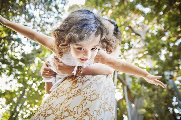 Madre giocare amato bambino parco figlia Foto d'archivio © konradbak