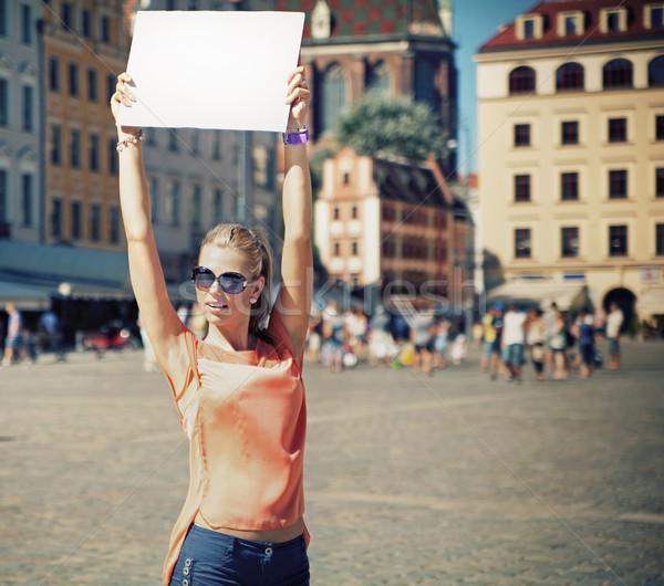 Nagyszerű nyár nő papír lány mosoly Stock fotó © konradbak