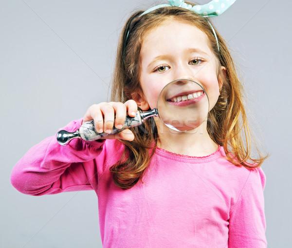 Güzel küçük kız bakıyor sevimli kız Stok fotoğraf © konradbak