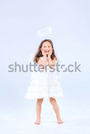 Meisje vliegen rozenblaadjes cute meisje voorjaar Stockfoto © konradbak