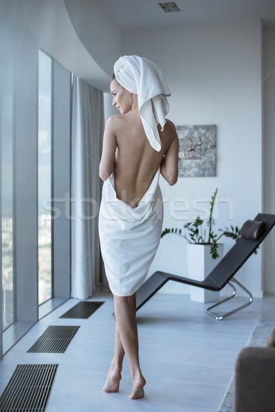 Joli brunette dame spa femme nude Photo stock © konradbak