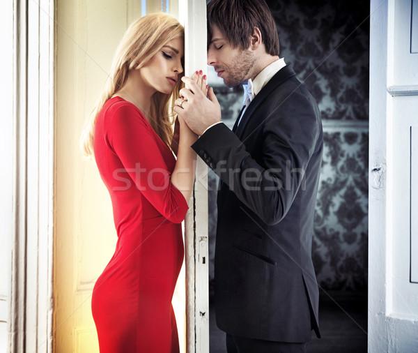 Fiatal higgadt pár romantikus hangulat vonzó Stock fotó © konradbak