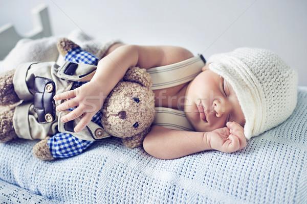 újszülött gyermek alszik plüssmaci játék lány Stock fotó © konradbak