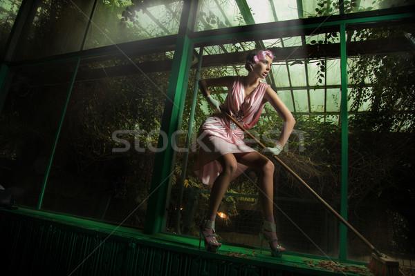 Takarítónő visel rózsaszín ruha nő modell Stock fotó © konradbak