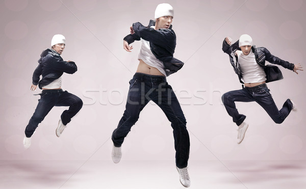 Hip hop danseur sautant homme danse mode Photo stock © konradbak