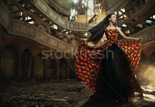 Actrice vieux théâtre femme danse mode Photo stock © konradbak