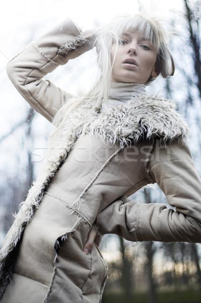 Portre güzel kız beyaz kürk kız Stok fotoğraf © konradbak