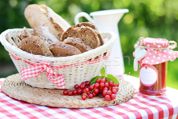 Pão pão saboroso congestionamento caseiro Foto stock © konradbak