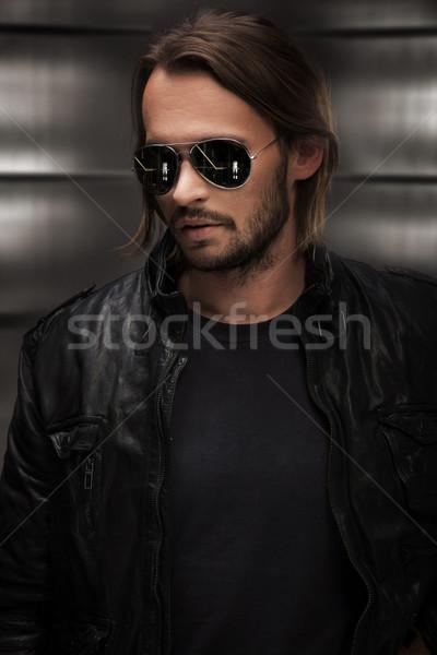 Portrait énigmatique homme visage modèle étudiant Photo stock © konradbak