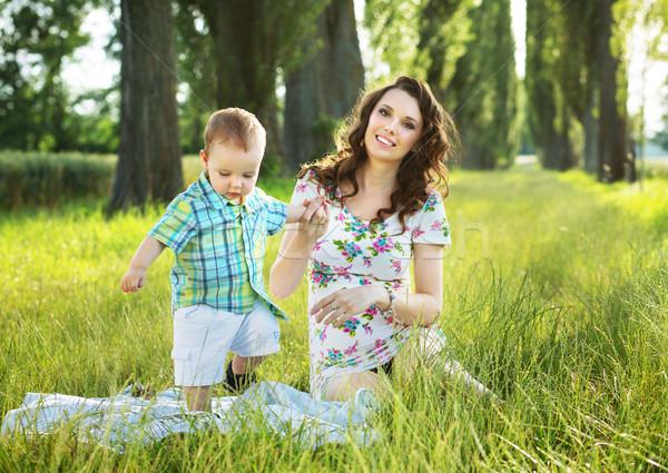 Stok fotoğraf: Güzel · anne · oynama · oğul · battaniye · küçük