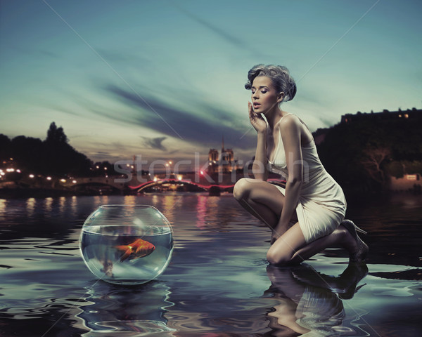 Szépség hölgy arany hal égbolt város Stock fotó © konradbak