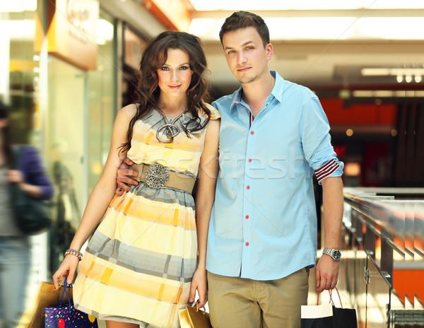 Photo stock: Jeunes · élégant · couple · Shopping · passage · mode