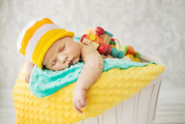 Stok fotoğraf: Sevimli · bebek · uyku · sepet · kız